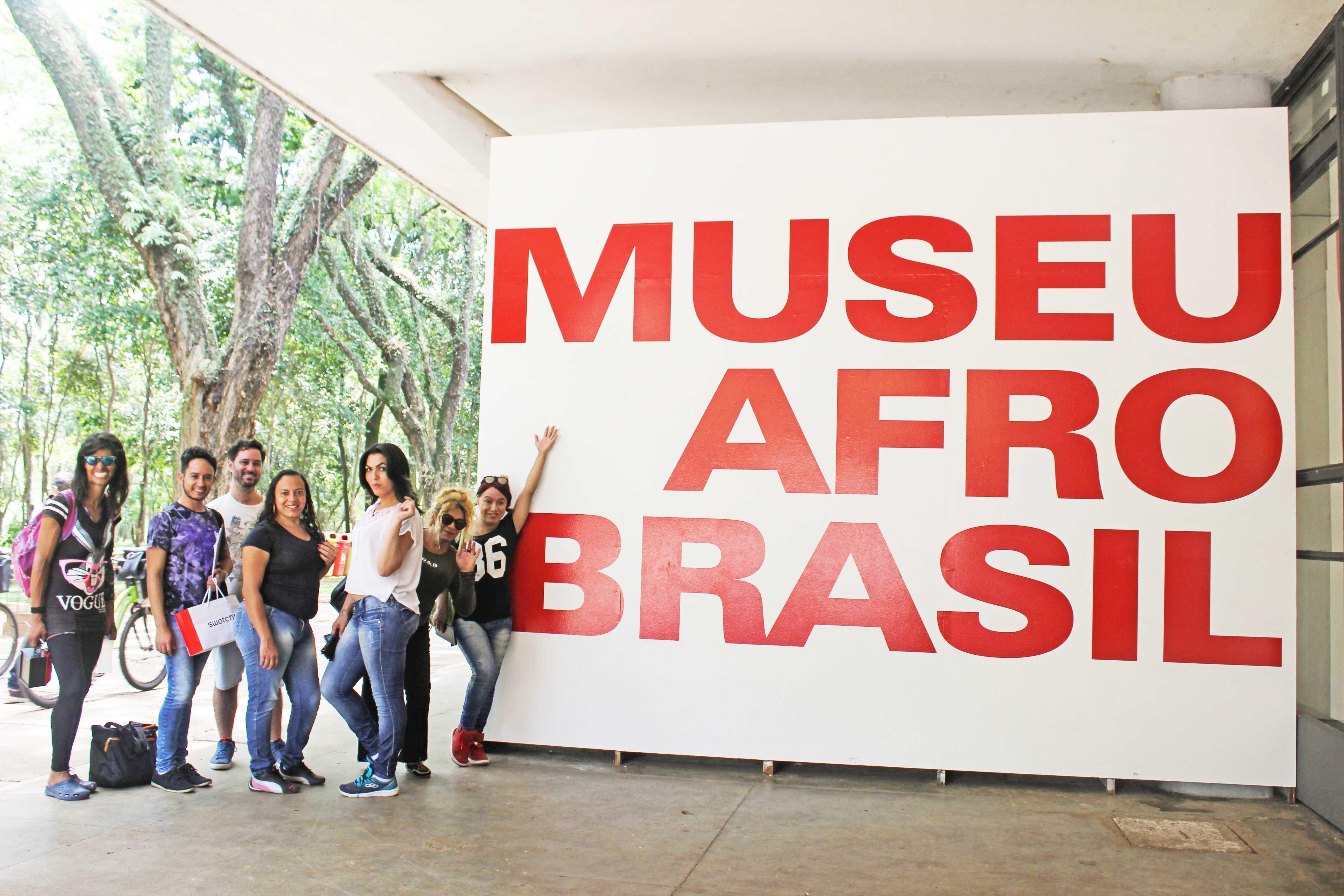Visita ao Museu Afro de SP com participantes do Transcidadania