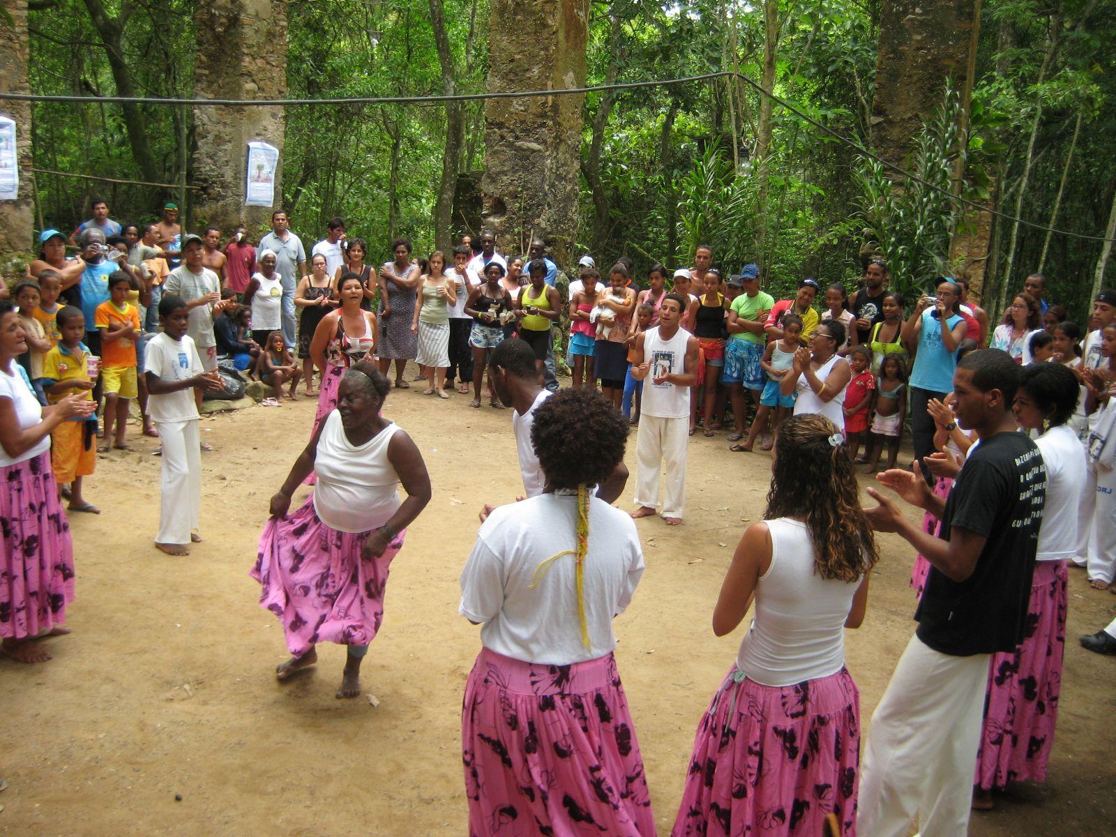 STF adia julgamento da constitucionalidade de decreto que regula o processo de titulação de terras quilombolas